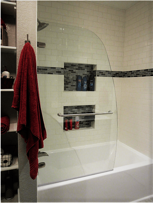 tub with glass enclosure